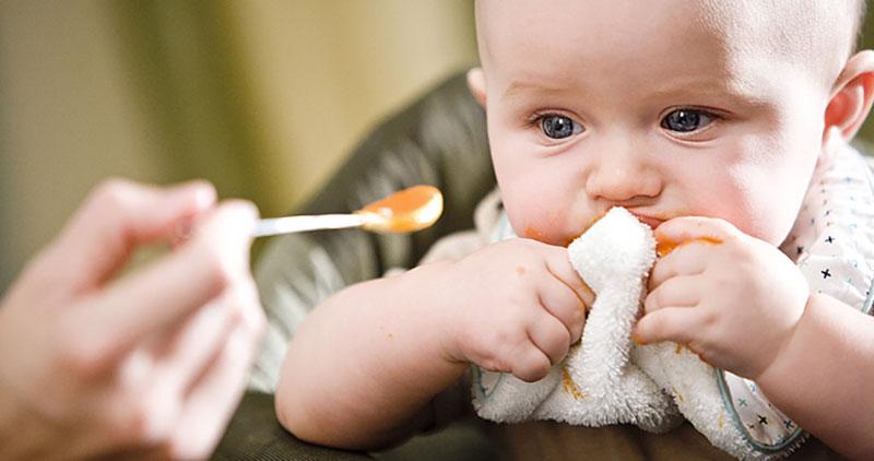 مصرف عسل در نوزادان